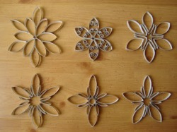 Figuras hechas de rollos de papel